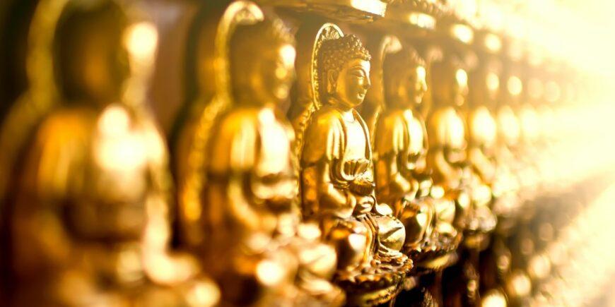 Goldene Buddhafiguren